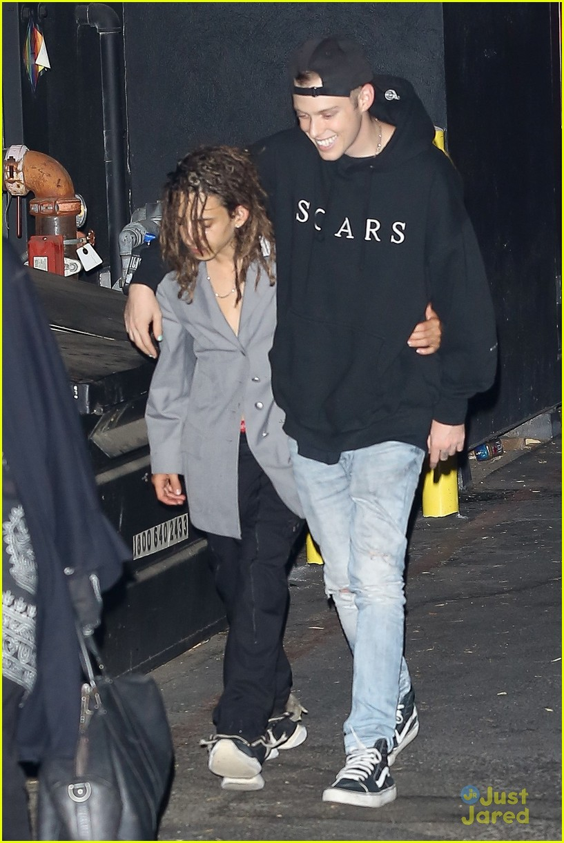 moises arias harry hudson go clubbing together 01