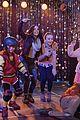 adventures in babysitting premiere photos 09