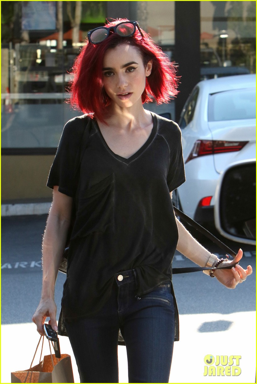 Lily Collins Goes Red See Her New Hair Color Photo 986970