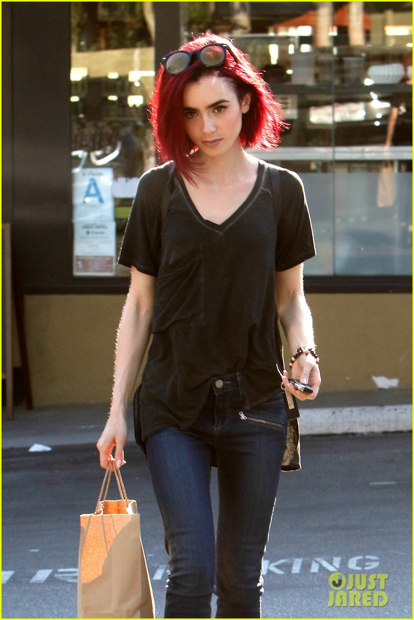 Lily Collins Goes Red See Her New Hair Color Photo 986973