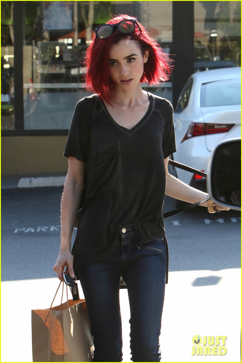 Lily Collins Goes Red See Her New Hair Color Photo 986975