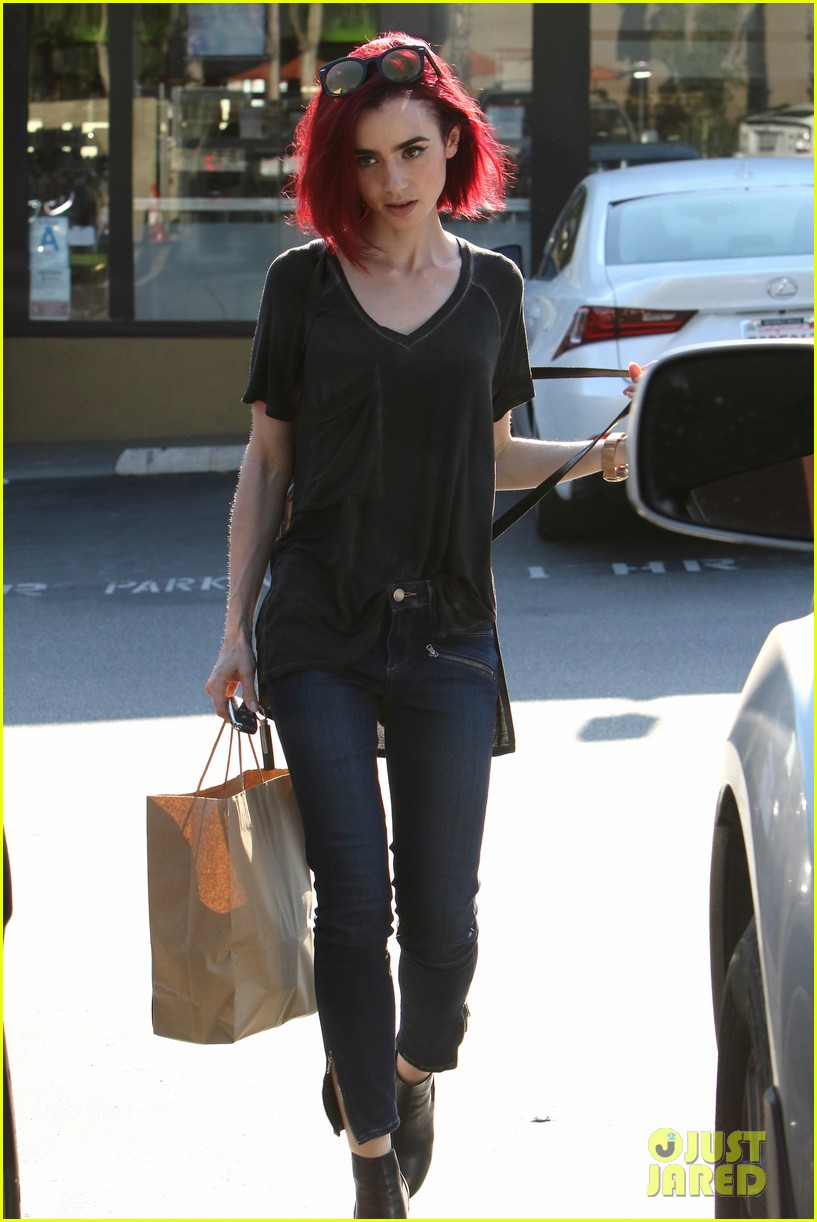 Lily Collins Goes Red See Her New Hair Color Photo 986977