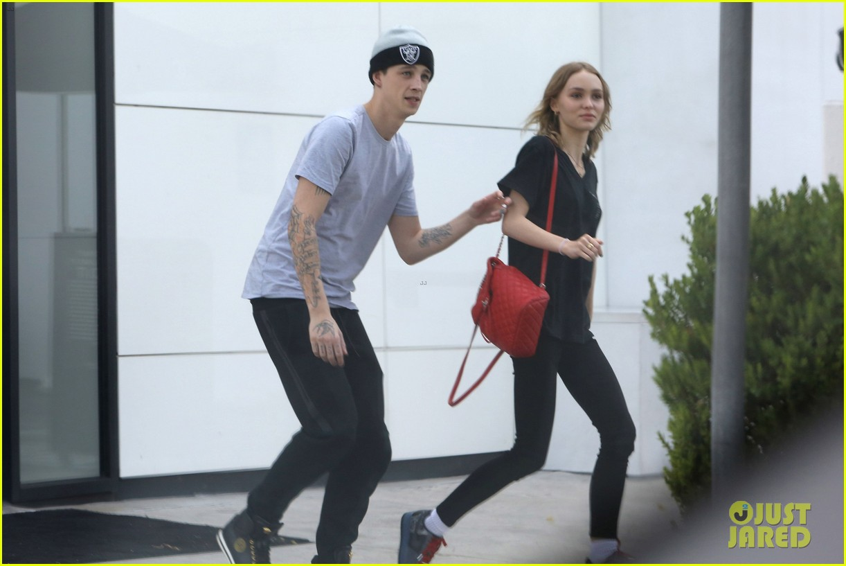 ab55b350c57c Lily-Rose Depp Shops With Rumored Boyfriend Ash Stymest | Photo ...