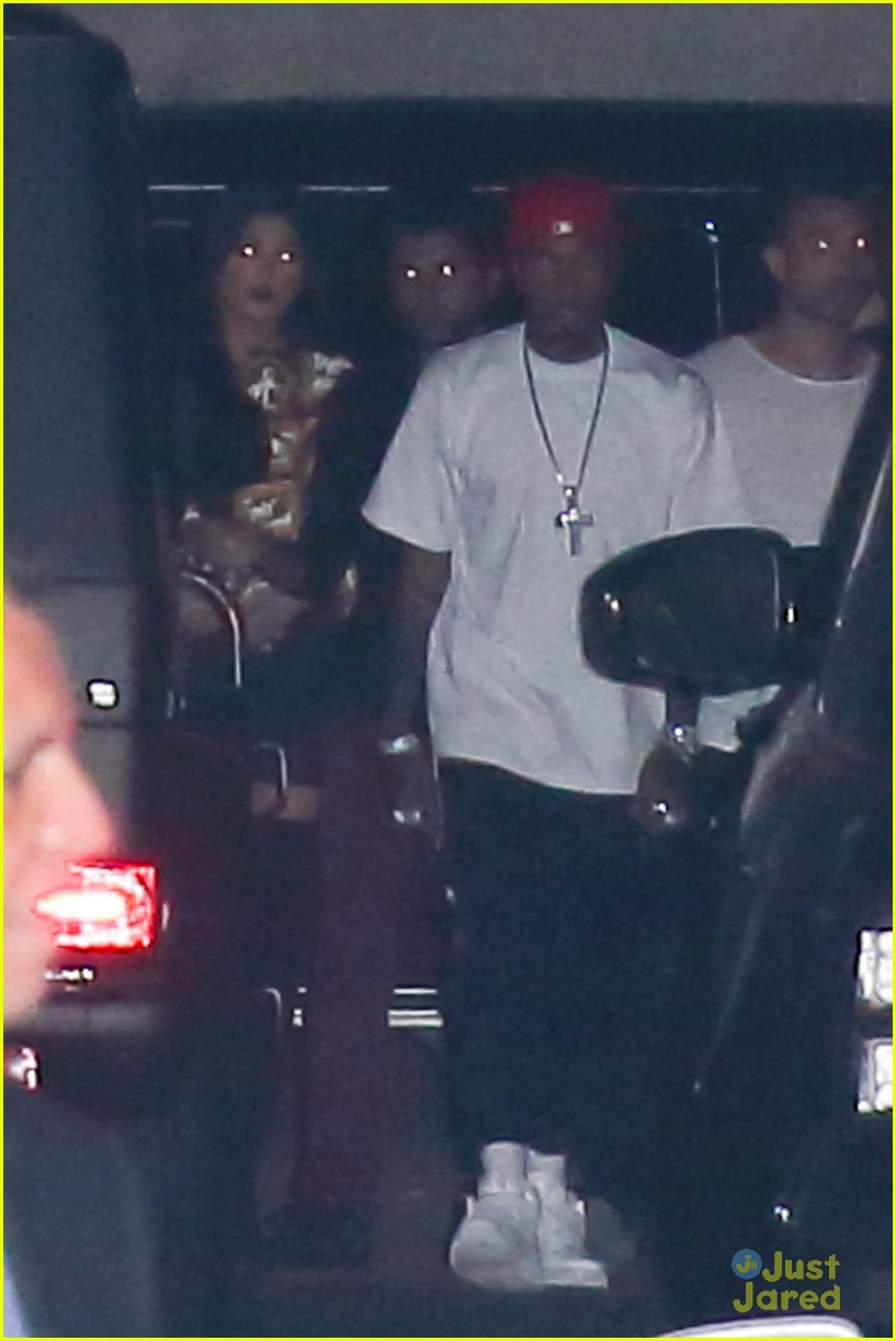 kylie jenner tyga go to 1 oak together 09