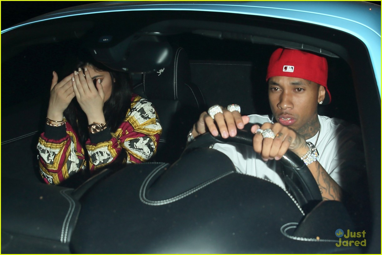 kylie jenner tyga go to 1 oak together 15