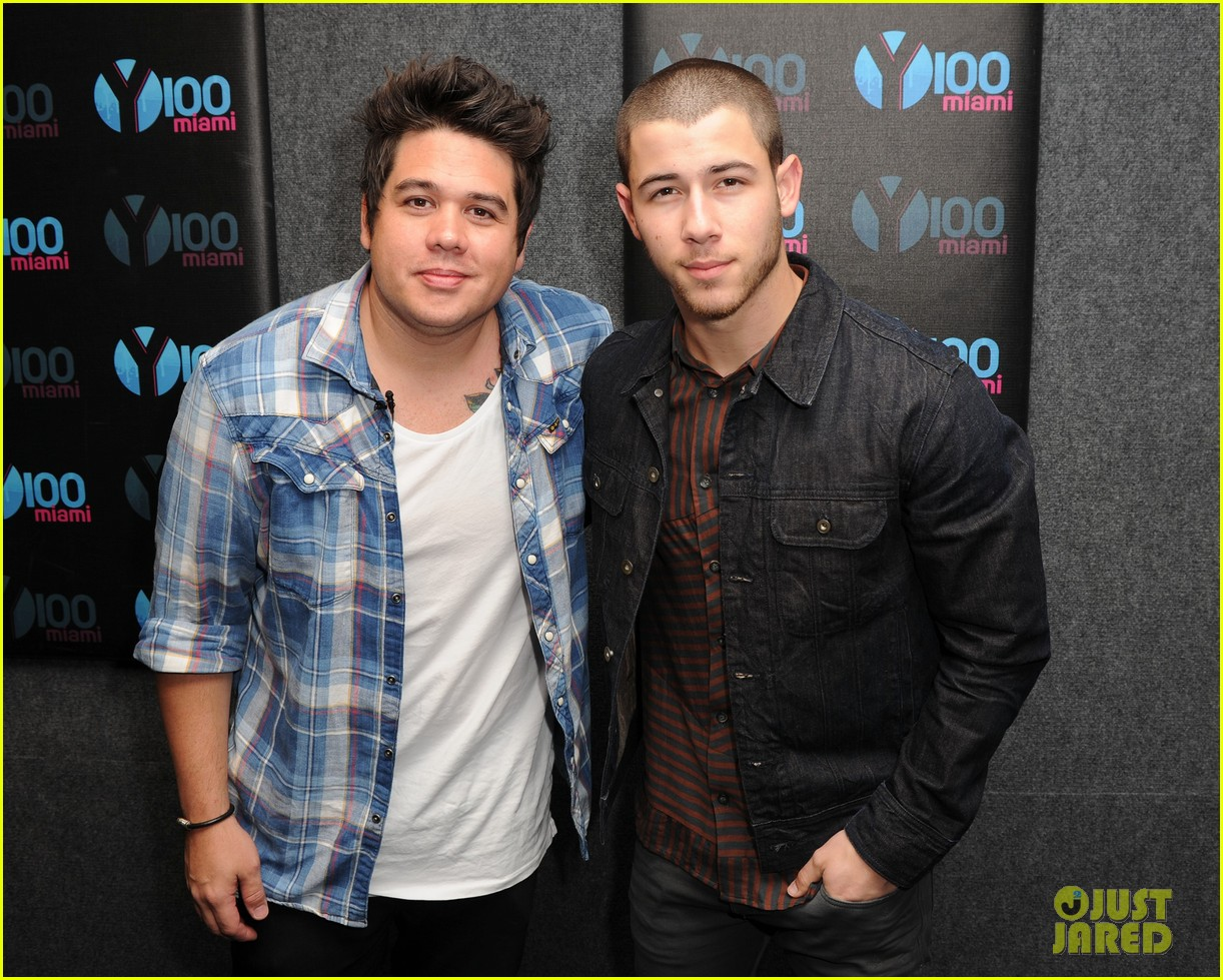 nick jonas creative recreation concert videos 12