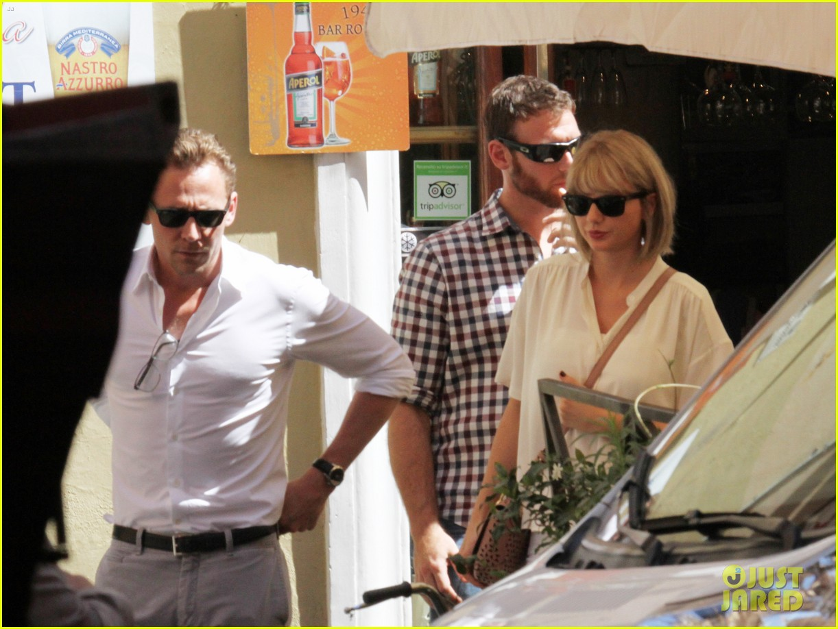 taylor swift tom hiddleston rome helicopter 08
