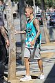 justin bieber lunch ralphs west hollywood 35