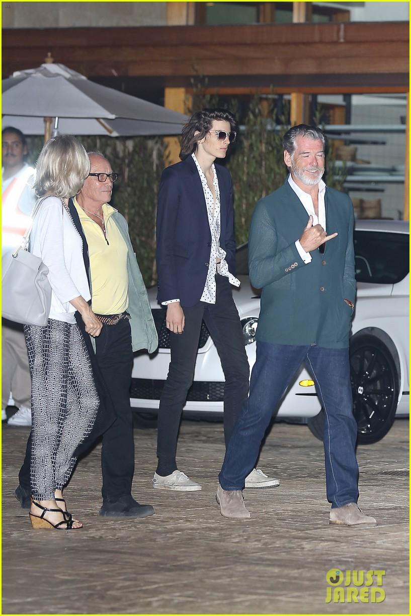 Pierce Brosnan relaxed as he enjoys a snack stop with son ...  Pierce Brosnan Son And Noah Cyrus