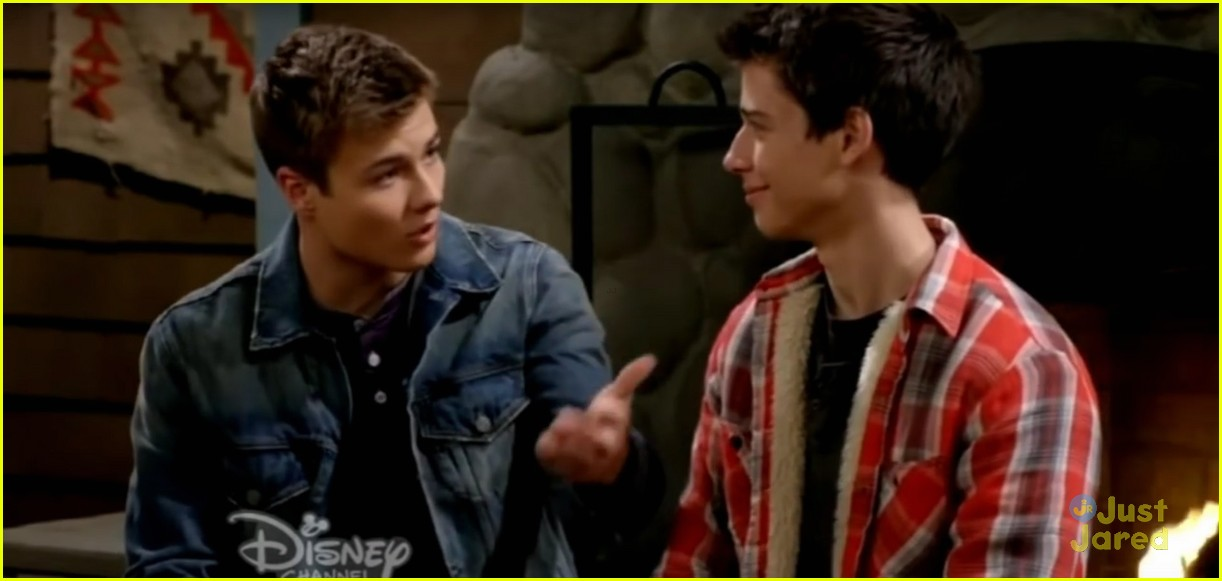 Who does lucas choose in girl meets world