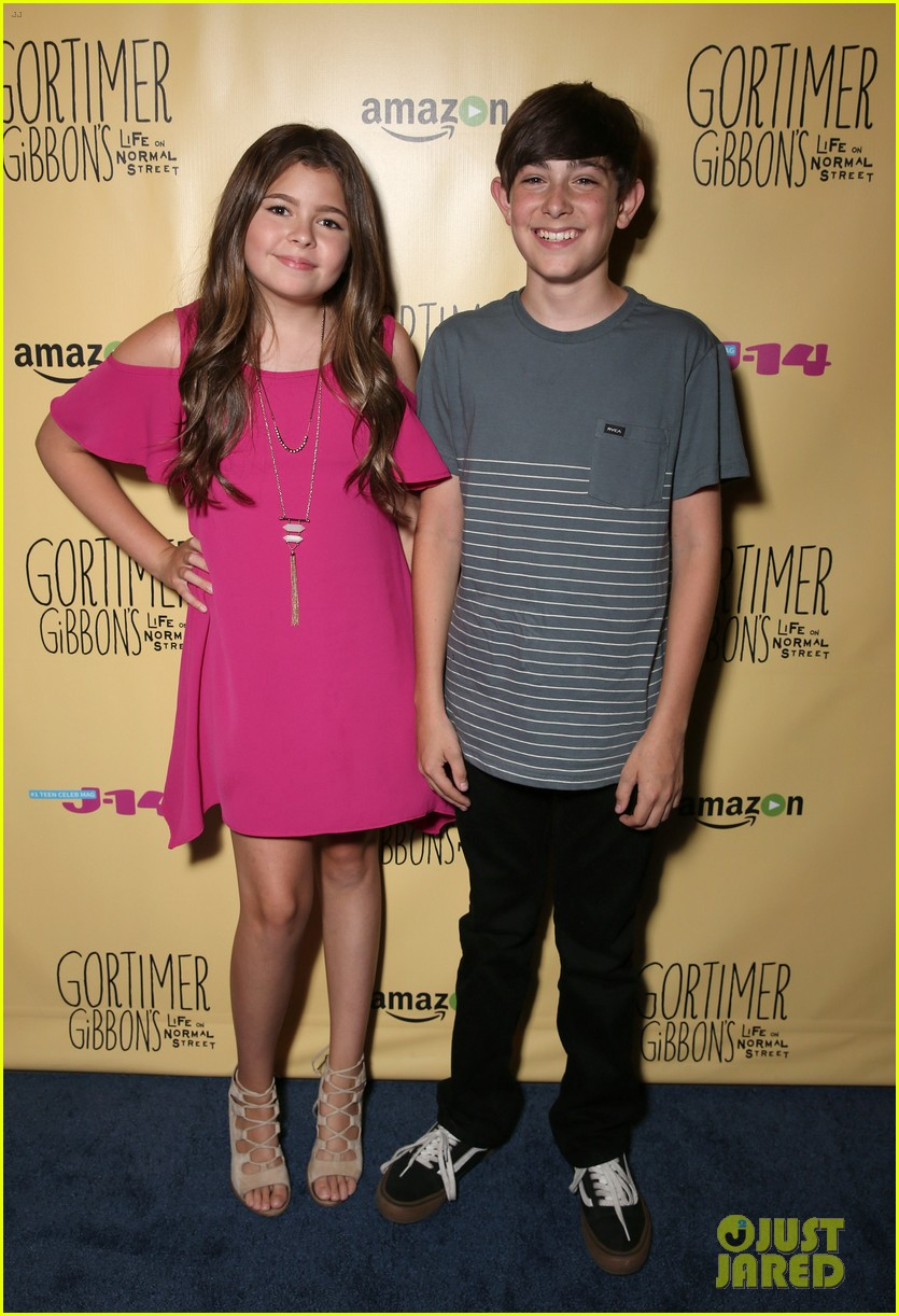 sloane siegel gortimer gibbon cast season two celebration 53
