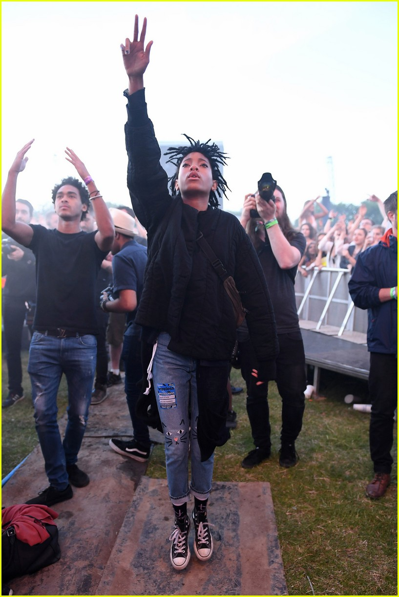 jaden smith celebrates 18th birthday at wireless fest 03