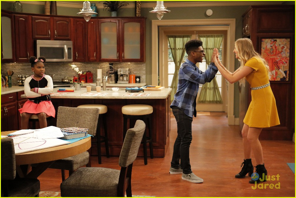 kc undercover catch him if can stills 01