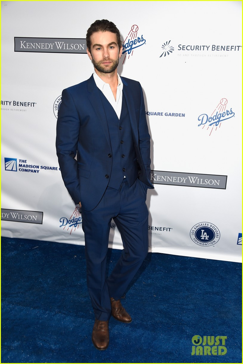 lea michele taylor lautner chace crawford dodgers fdn gala 04