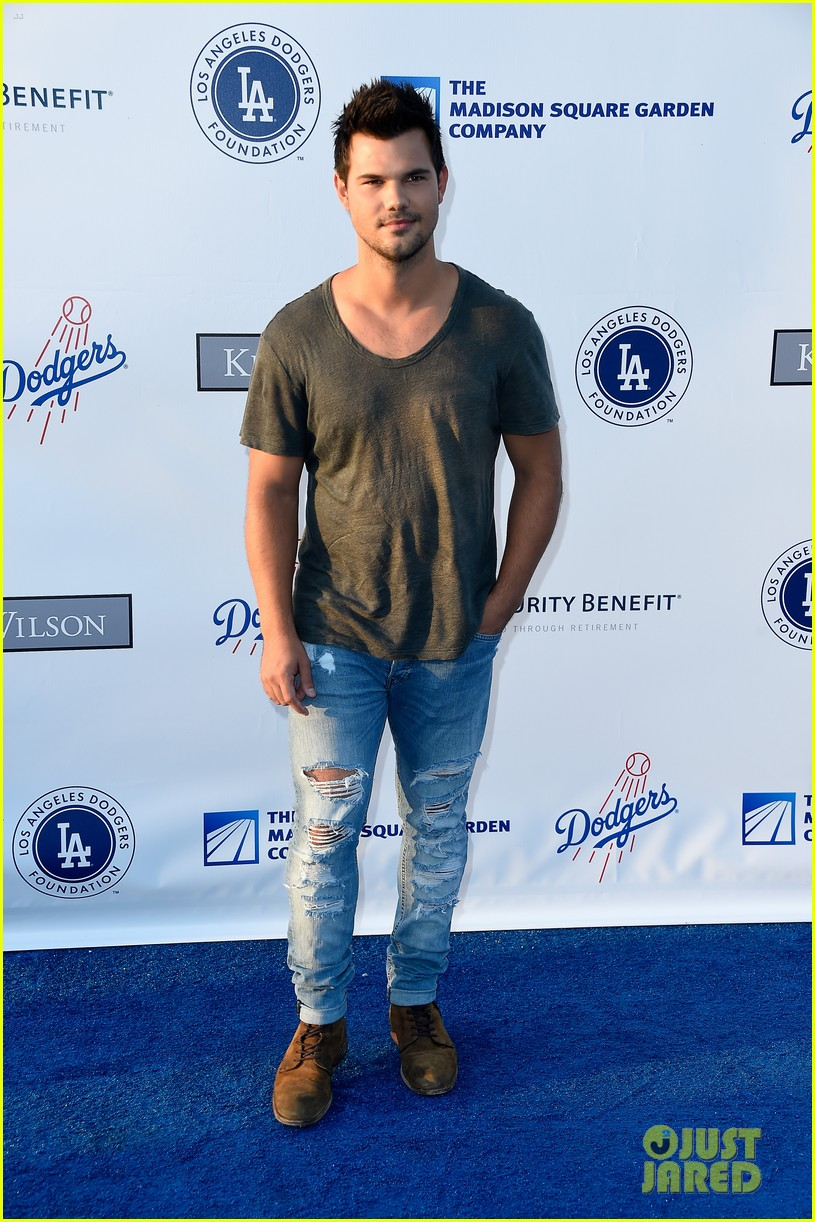 lea michele taylor lautner chace crawford dodgers fdn gala 13
