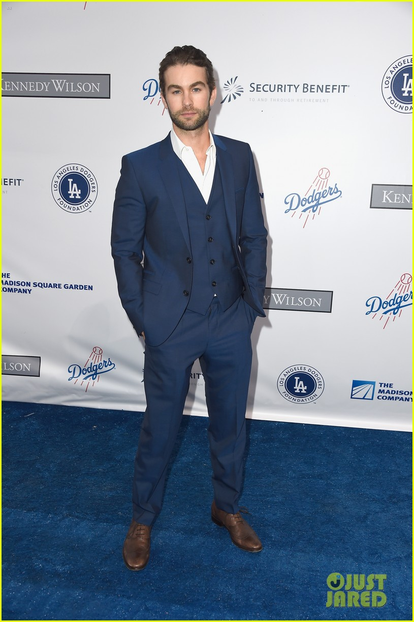 lea michele taylor lautner chace crawford dodgers fdn gala 15