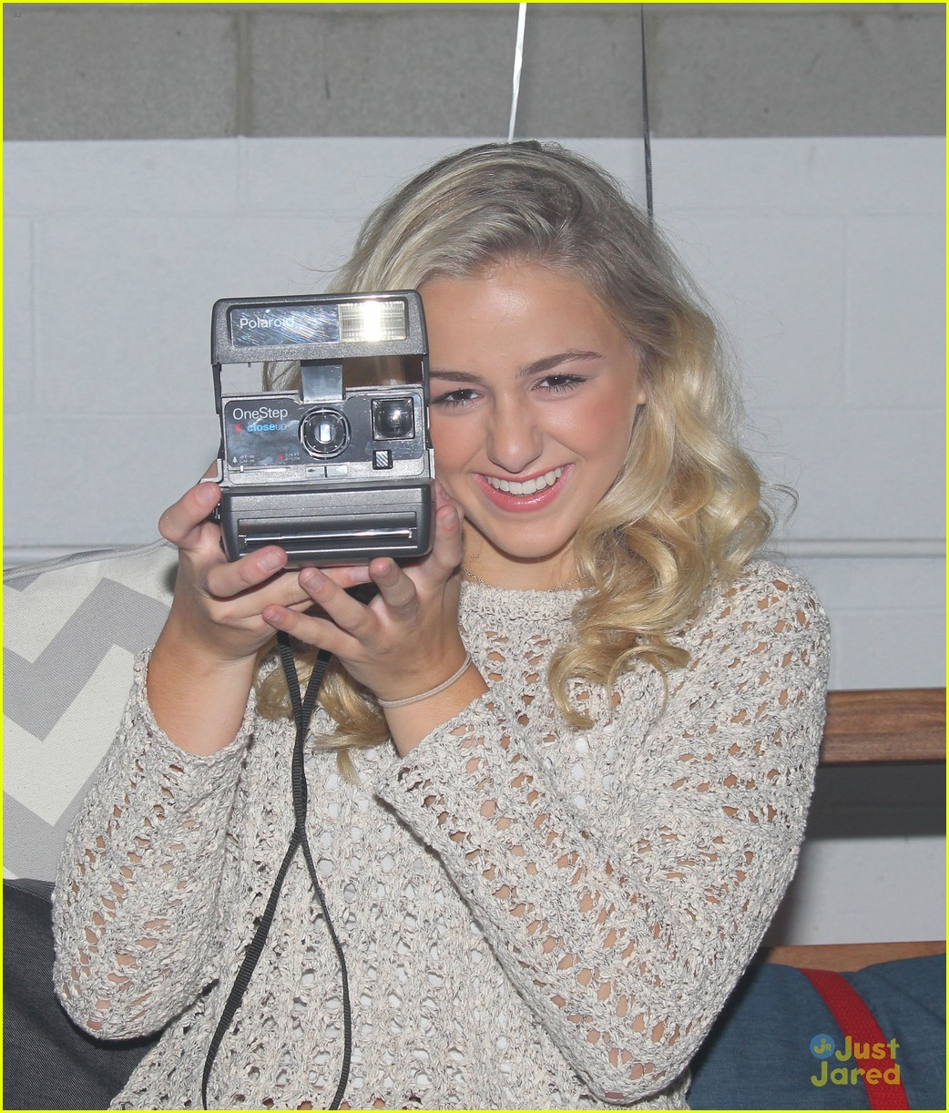 chloe lukasiak video shoot ahead teen choice 04