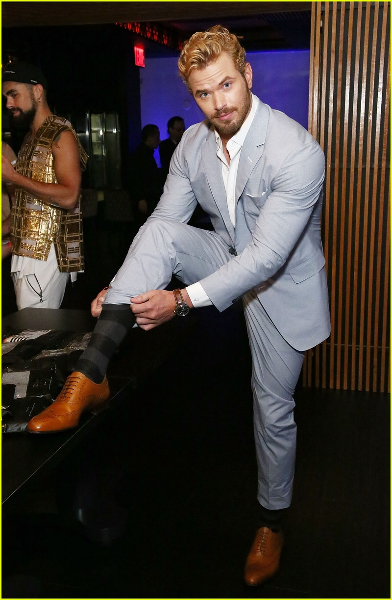 kellan lutz cody christian related garments fashion week 13