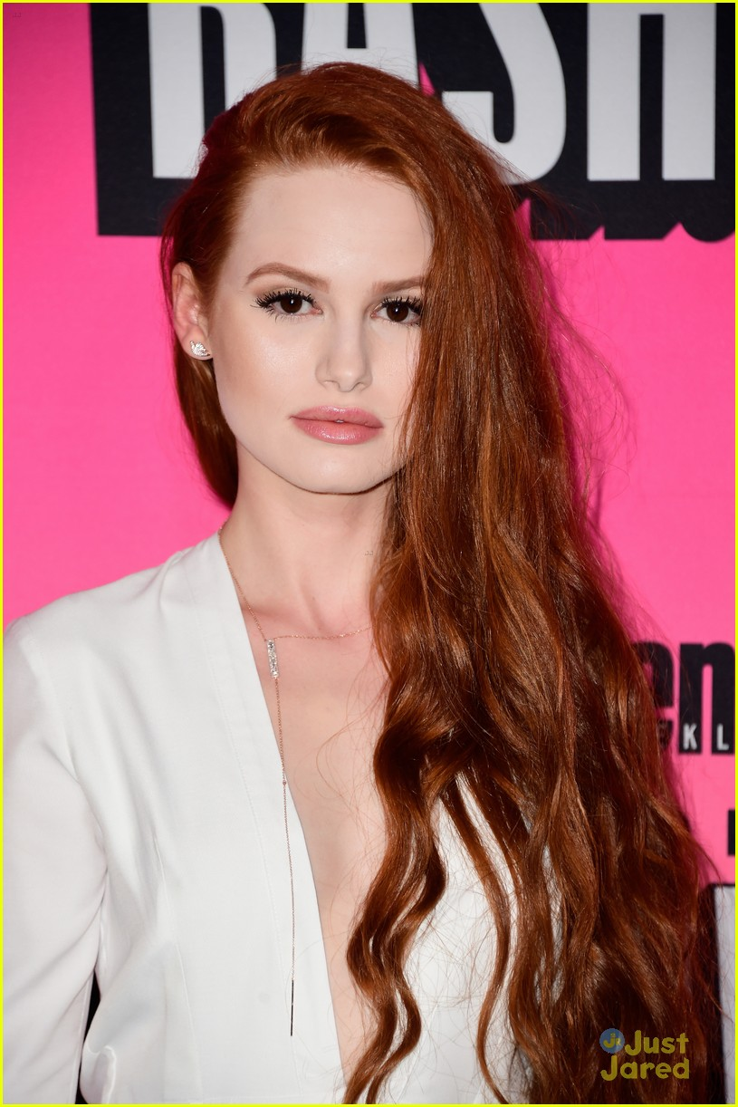 Madelaine Petsch Amp Cole Sprouse Bring Riverdale To Comic Con Photo 1000554 Photo Gallery