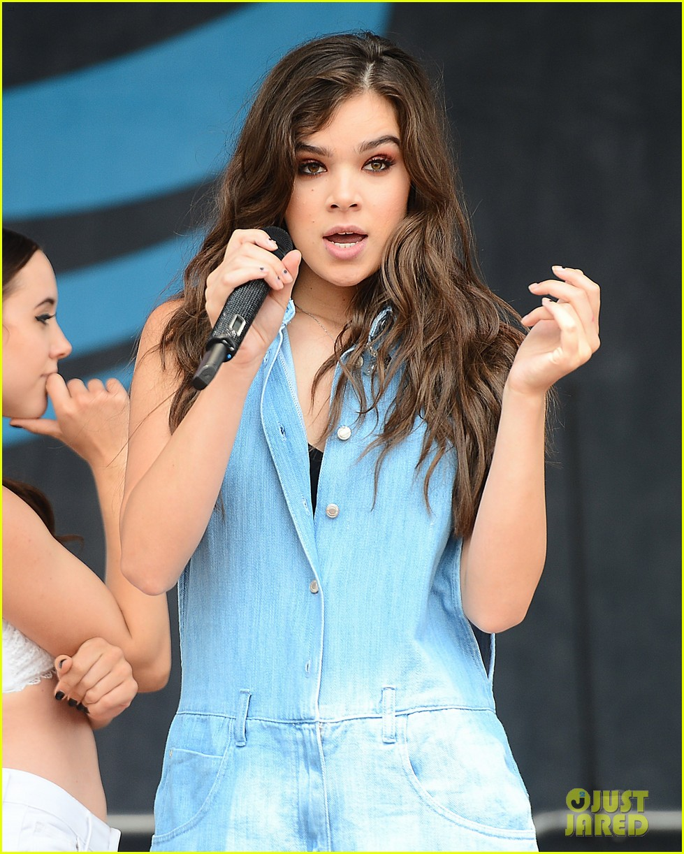 Hailee Steinfeld Adds New Designs and Items to Her Tour ...