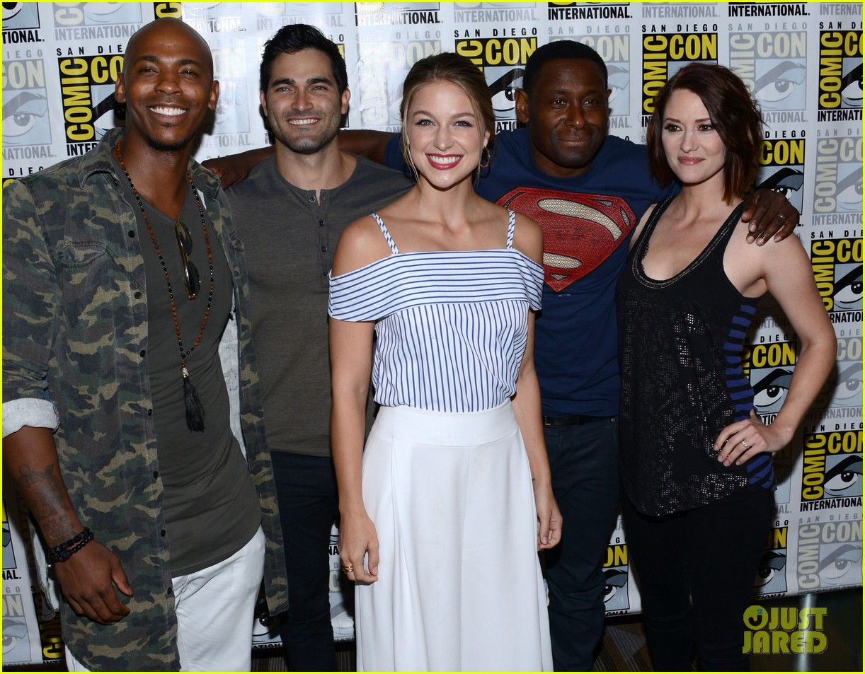 supergirl talk moving to cw comic con 06