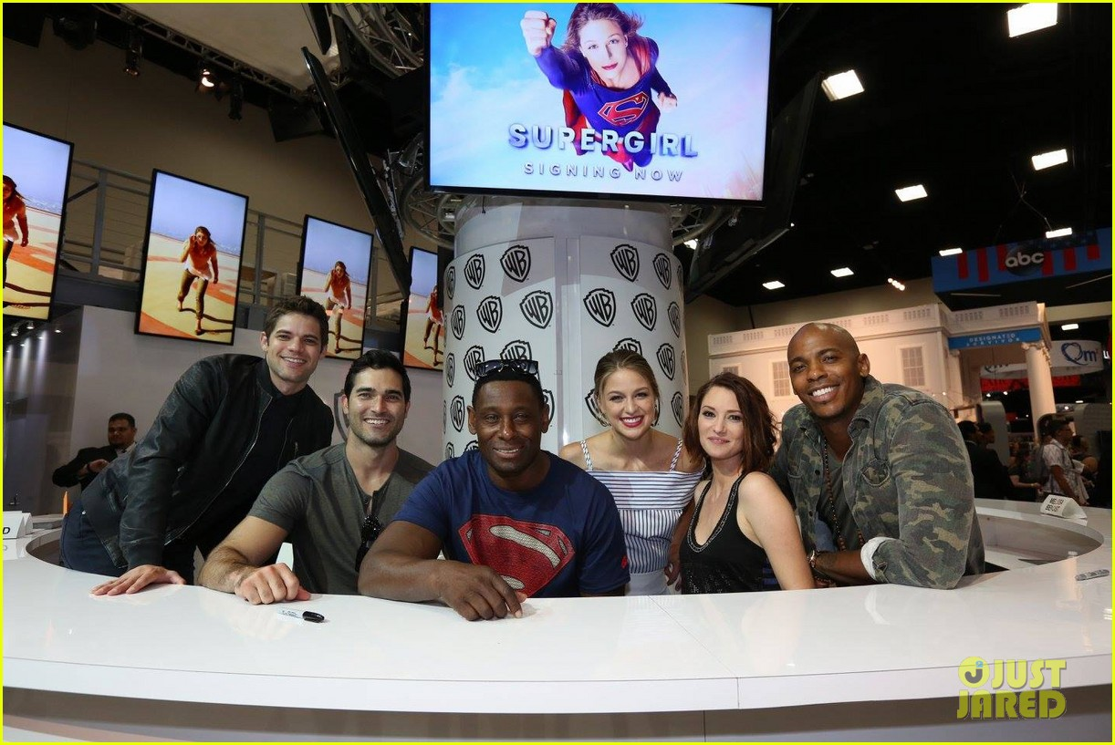 supergirl talk moving to cw comic con 15