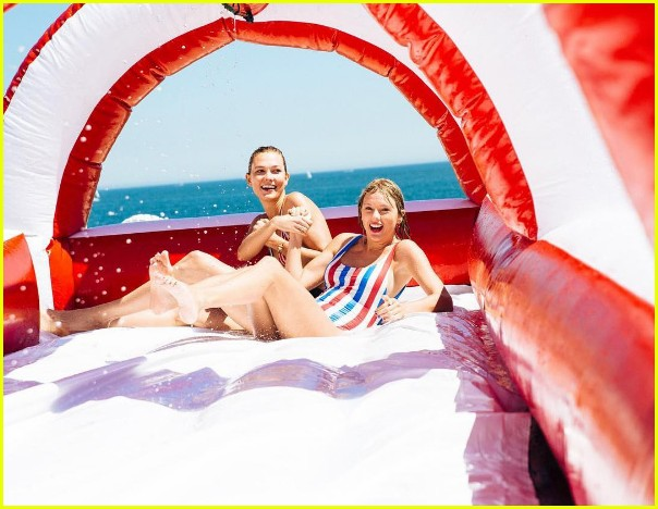 taylor swift shares more july fourth photos with while squad 02