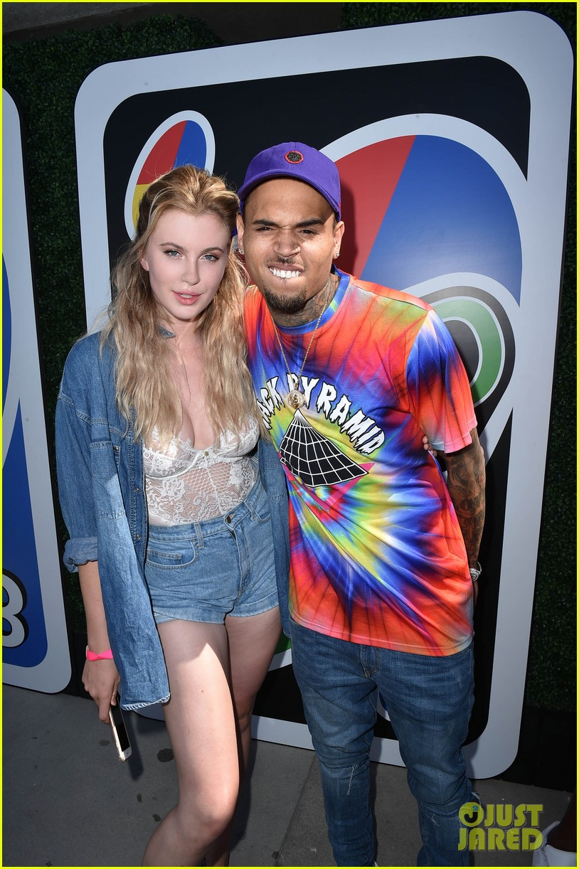 ireland baldwin boyfriend noah schweizer just jared summer bash 03