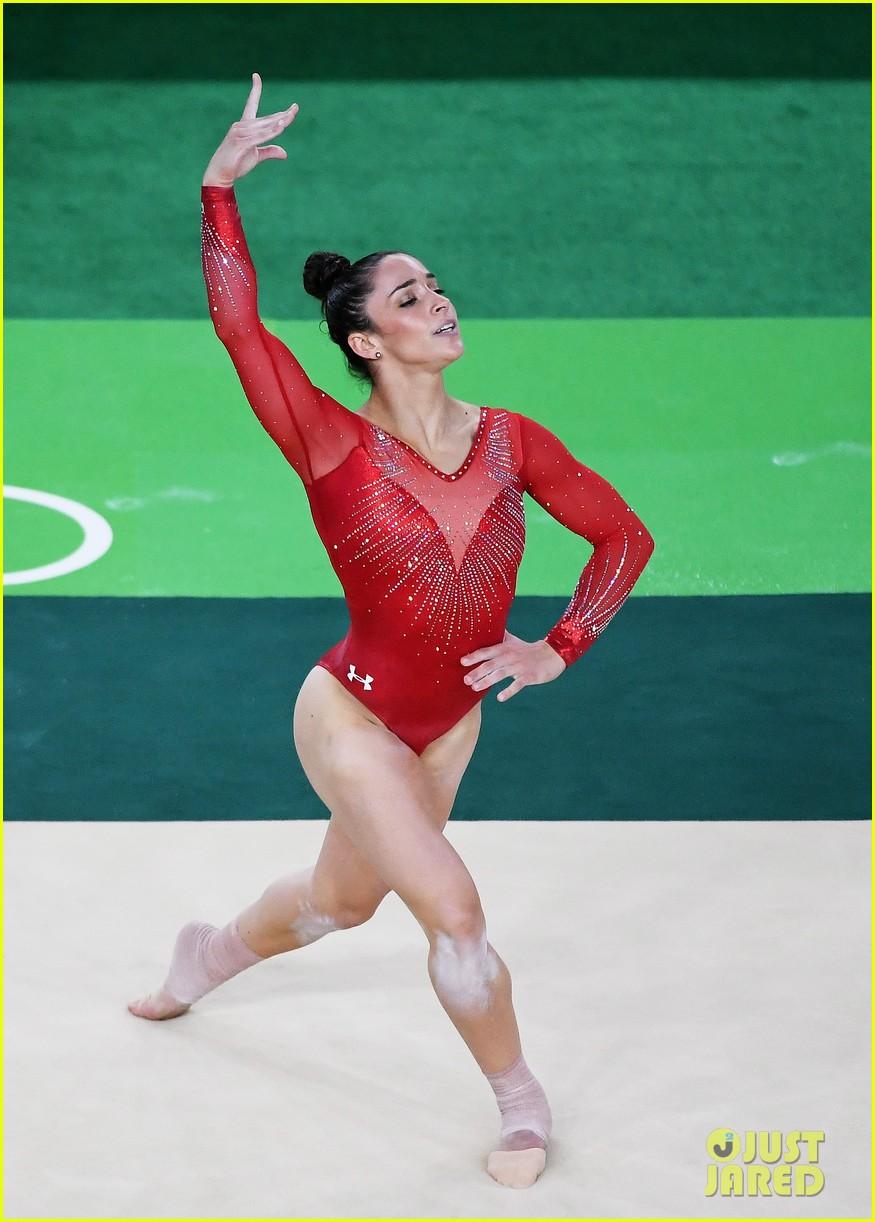 Simone Biles Amp Aly Raisman S Floor Exercises Need To Be