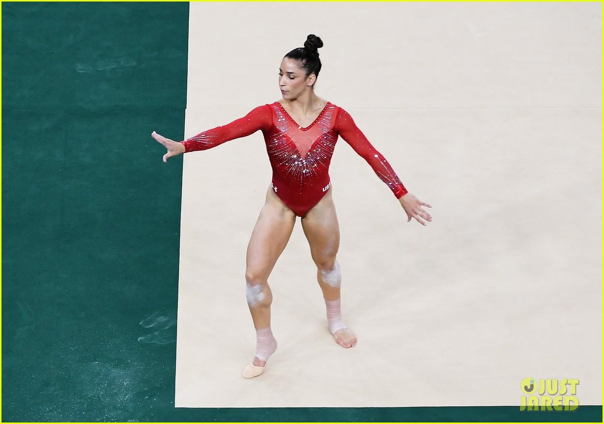 Simone Biles Aly Raisman Take The Top Spots During Gymnastics
