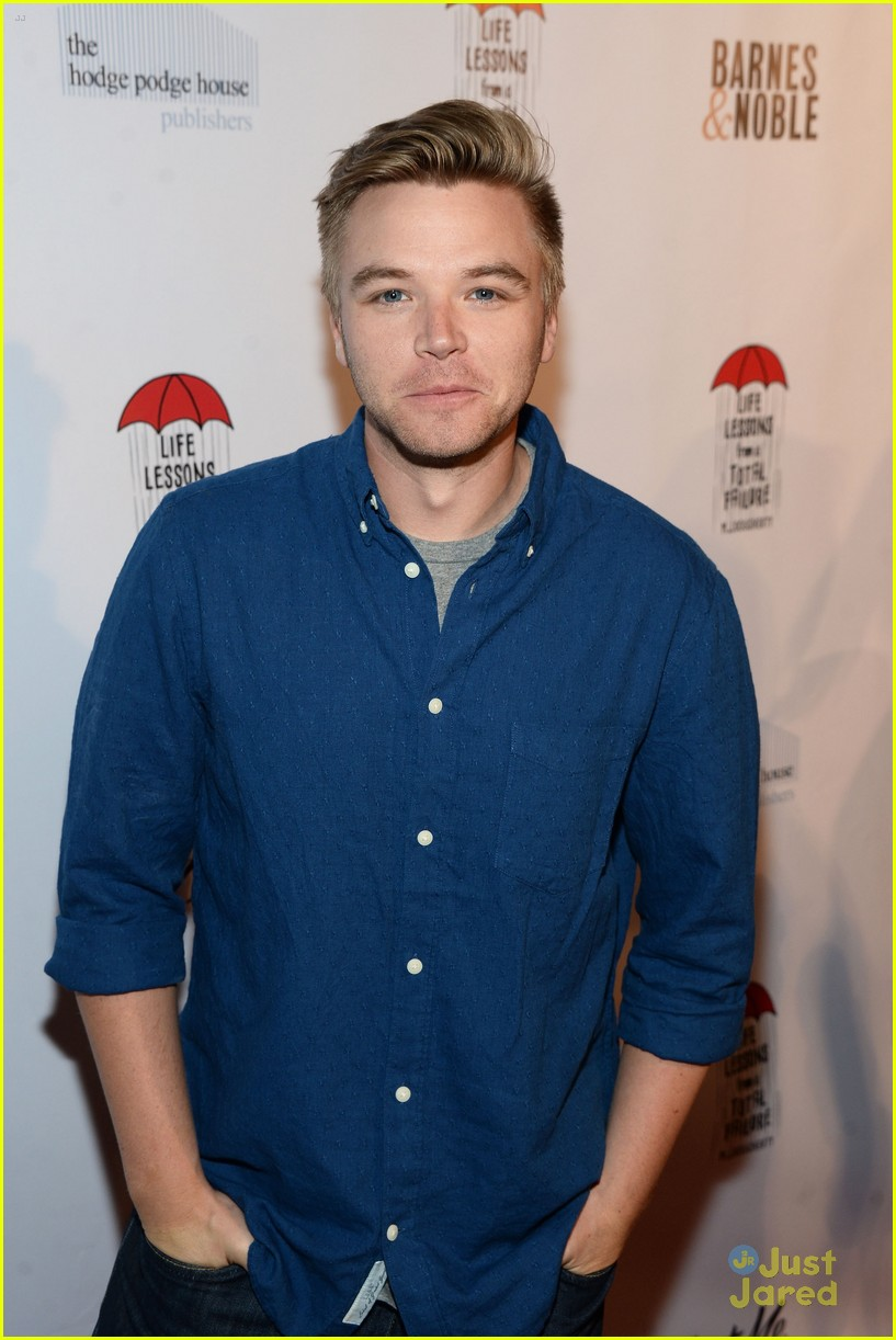 brett davern john de luca life lessons book launch party 01