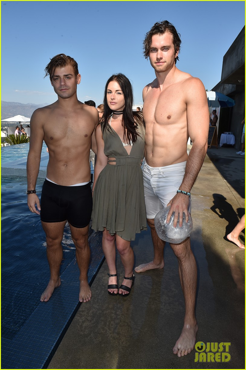 garrett clayton just jared summer bash 01