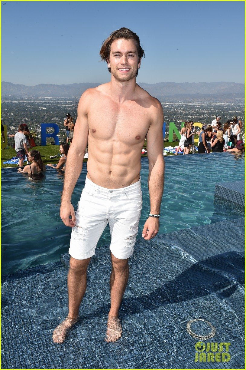 garrett clayton just jared summer bash 05