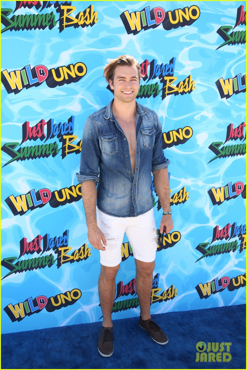 garrett clayton just jared summer bash 26