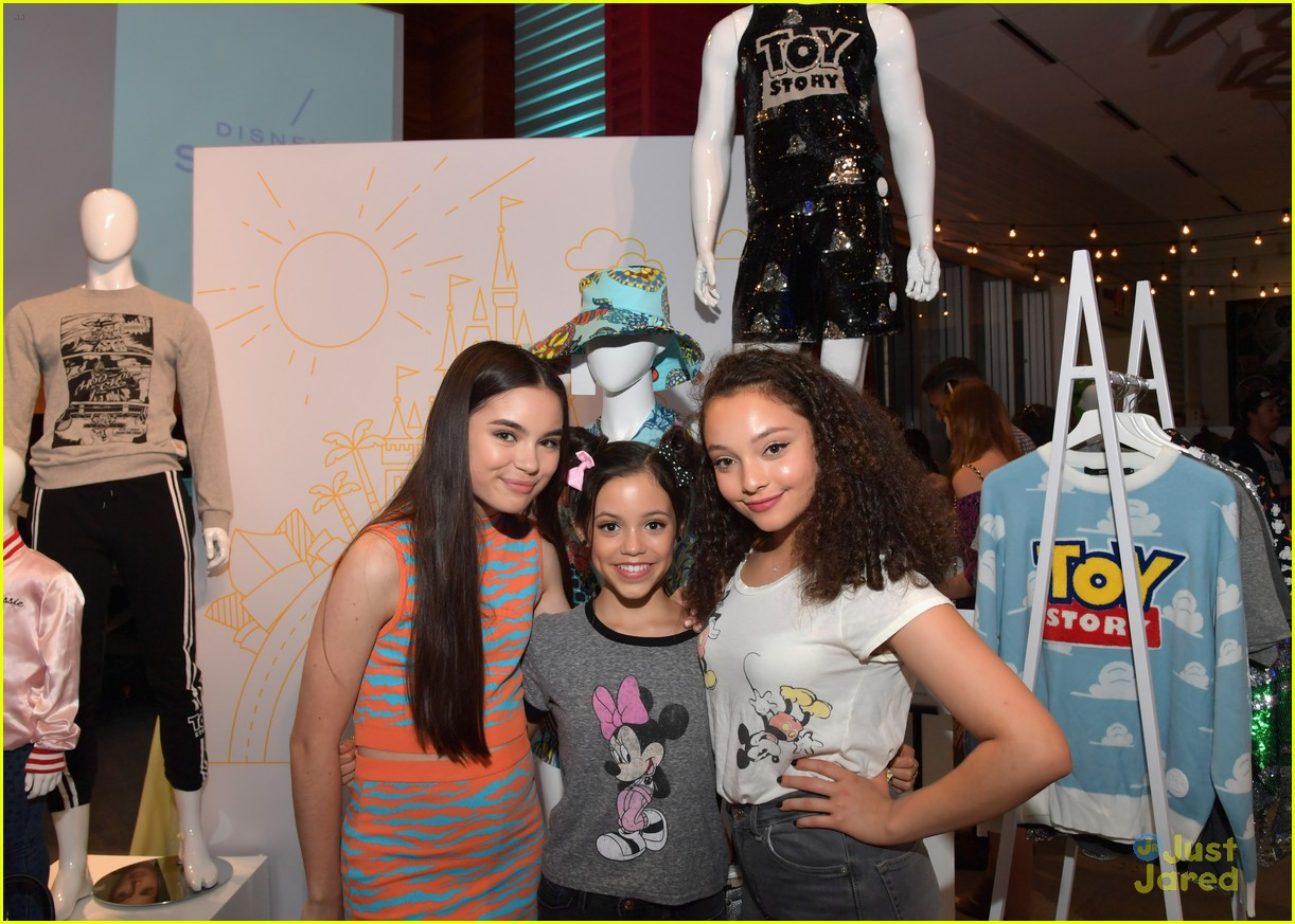 brec bassinger jenna ortega more disney style influencer event 03