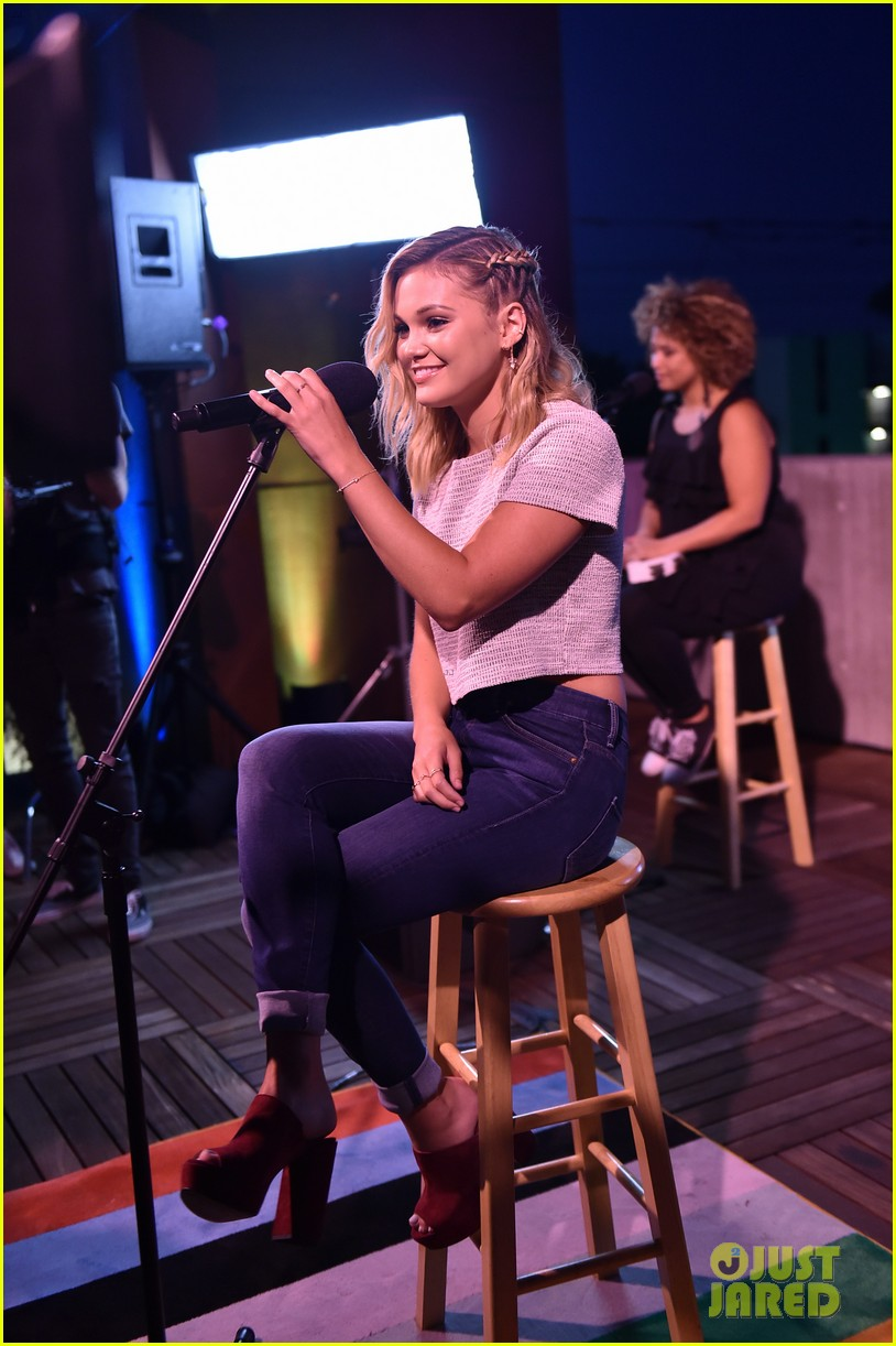 olivia holt performs live at just jared jr disney mix launch party 04