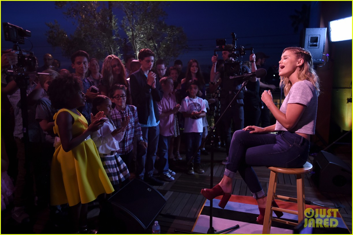 olivia holt performs live at just jared jr disney mix launch party 30