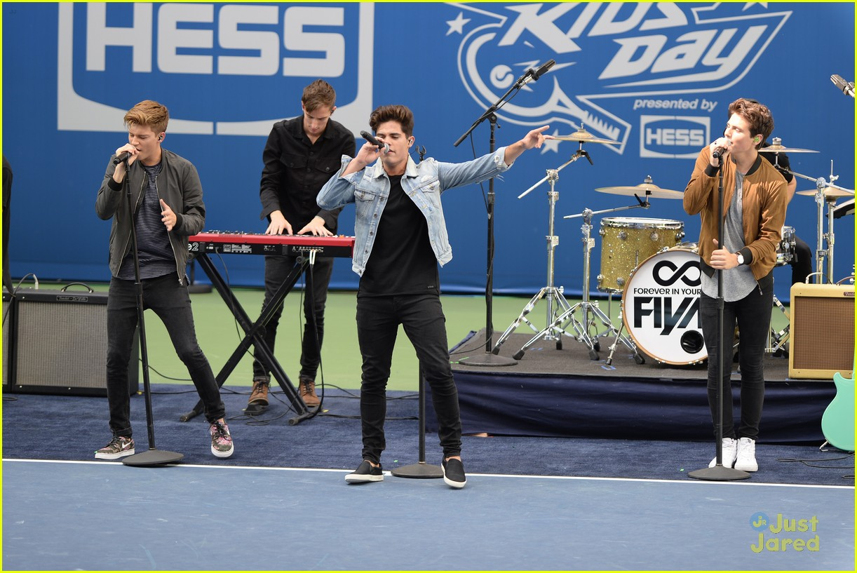 jordan fisher laura marano fiym performances aakd pics 05