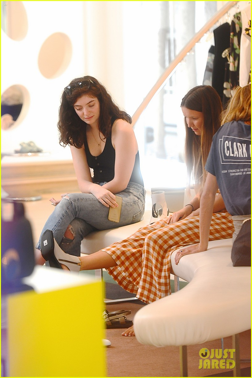 lorde marni shopping songwriting style broods 03