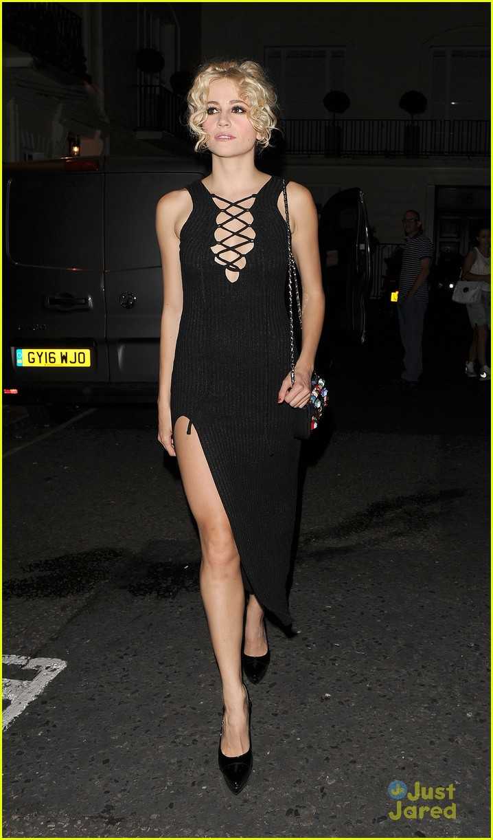 pixie lott super glam look london theatre 20