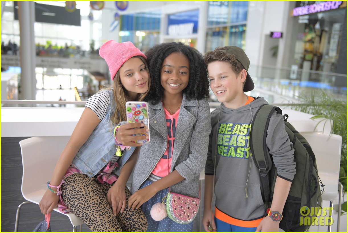 Skai Jackson & Thomas Barbusca Deal with Amy Schumer\'s Silly Antics ...
