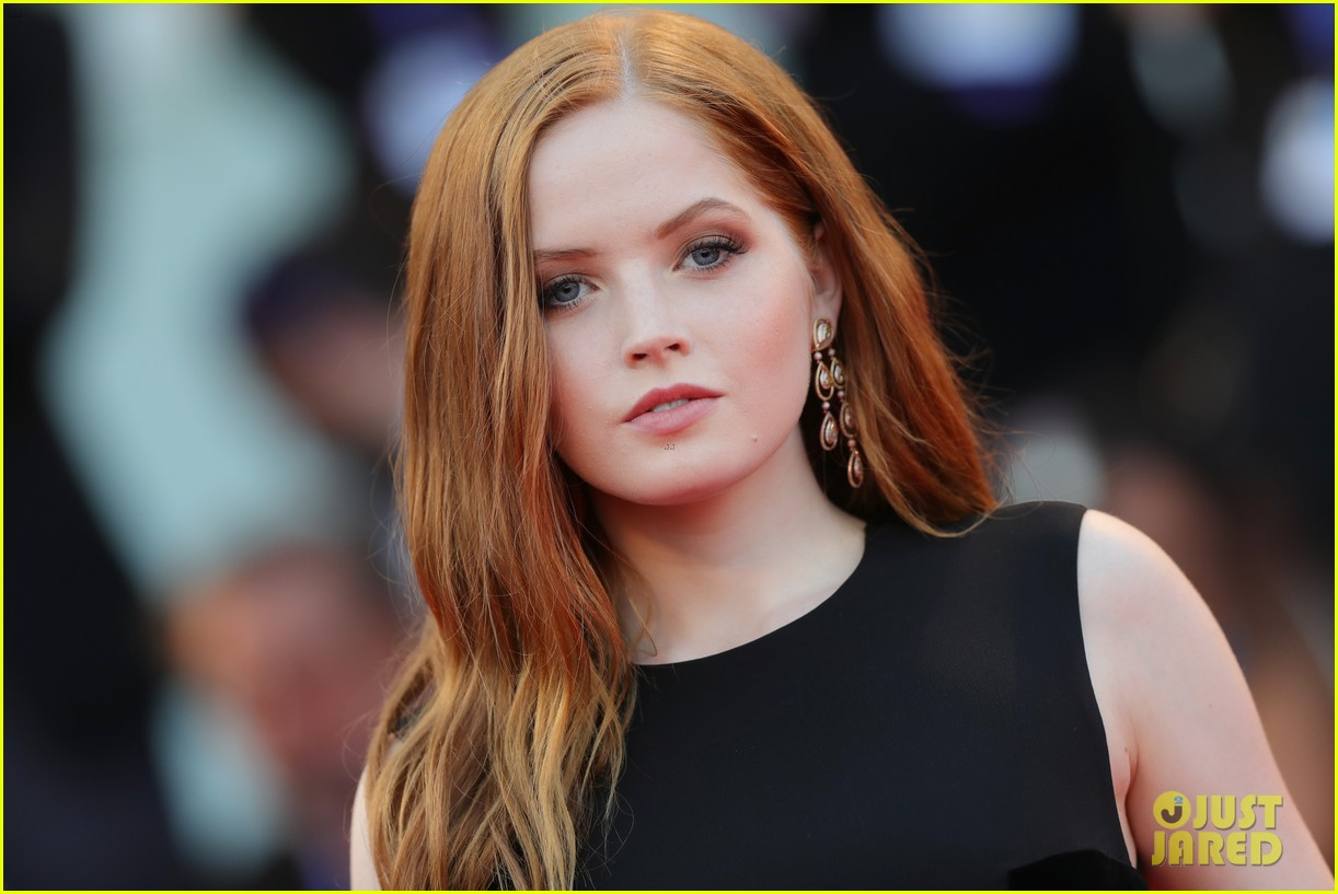 Is a cute Ellie Bamber naked photo 2017