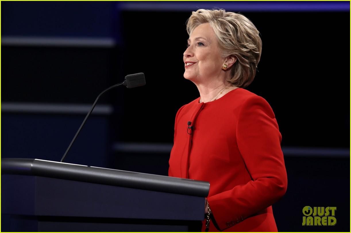 celebs tweet presidential debate 06