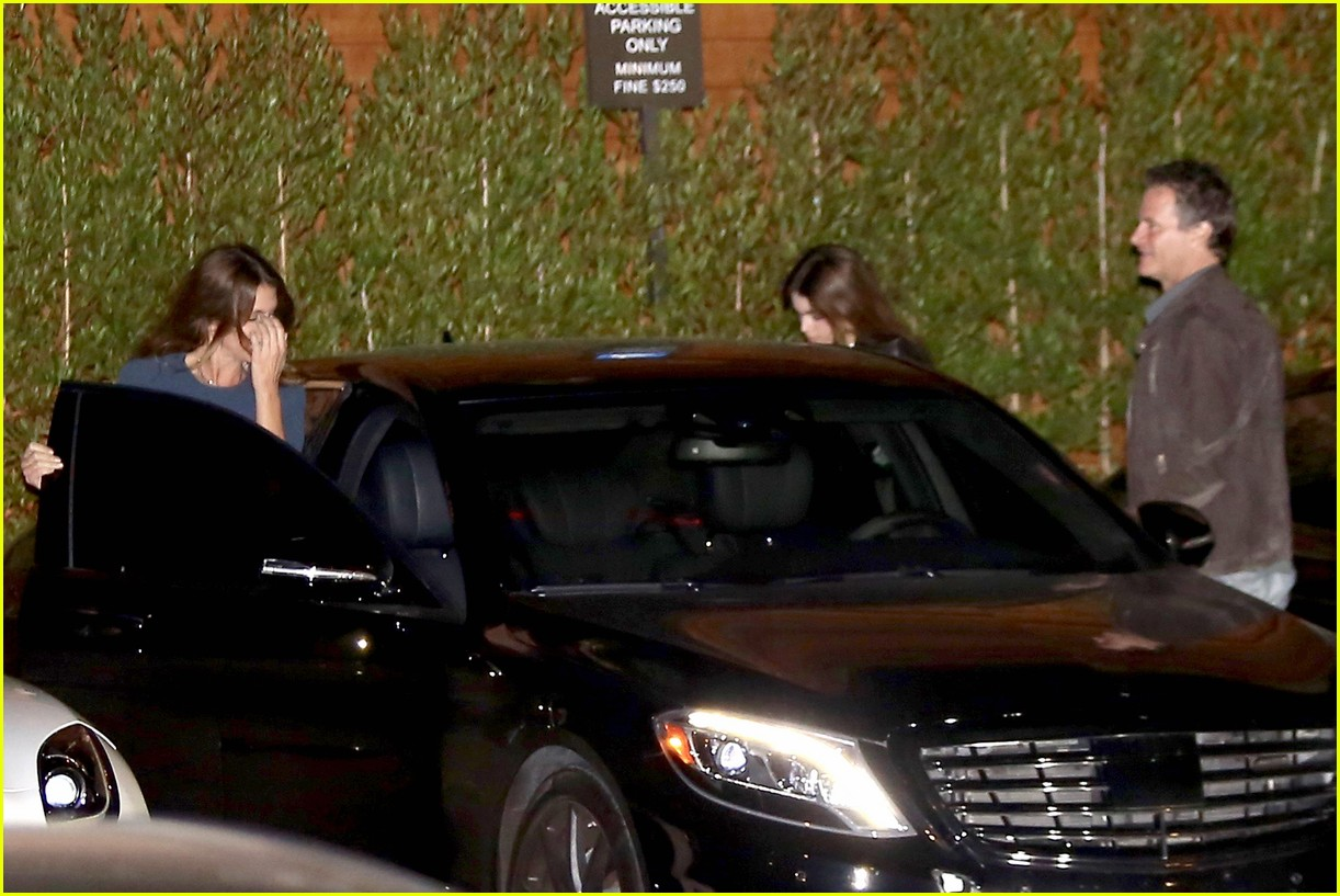cindy crawford kaia gerber step out for family dinner 06