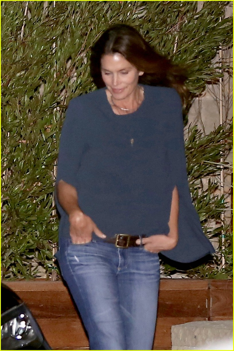 cindy crawford kaia gerber step out for family dinner 13