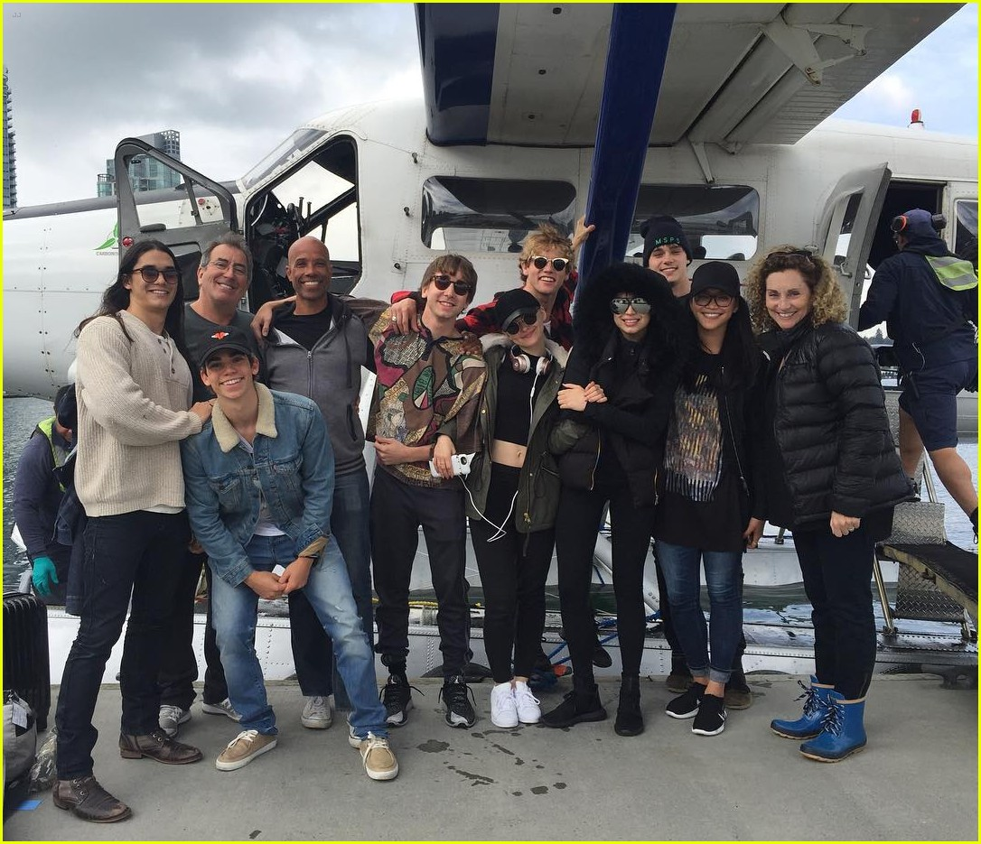 descendants cast flight vancouver jedi pilot 01