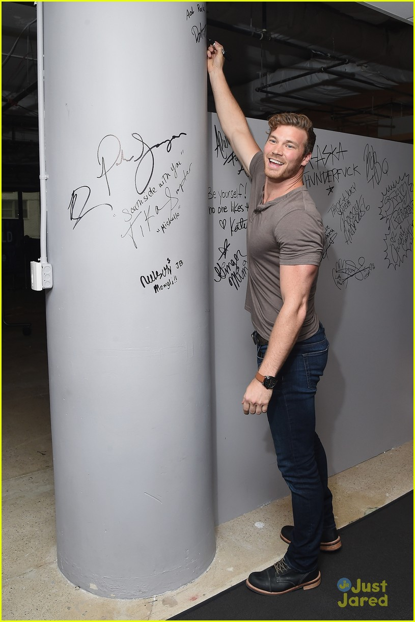 derek theler jean luc bilodeau aol build 05