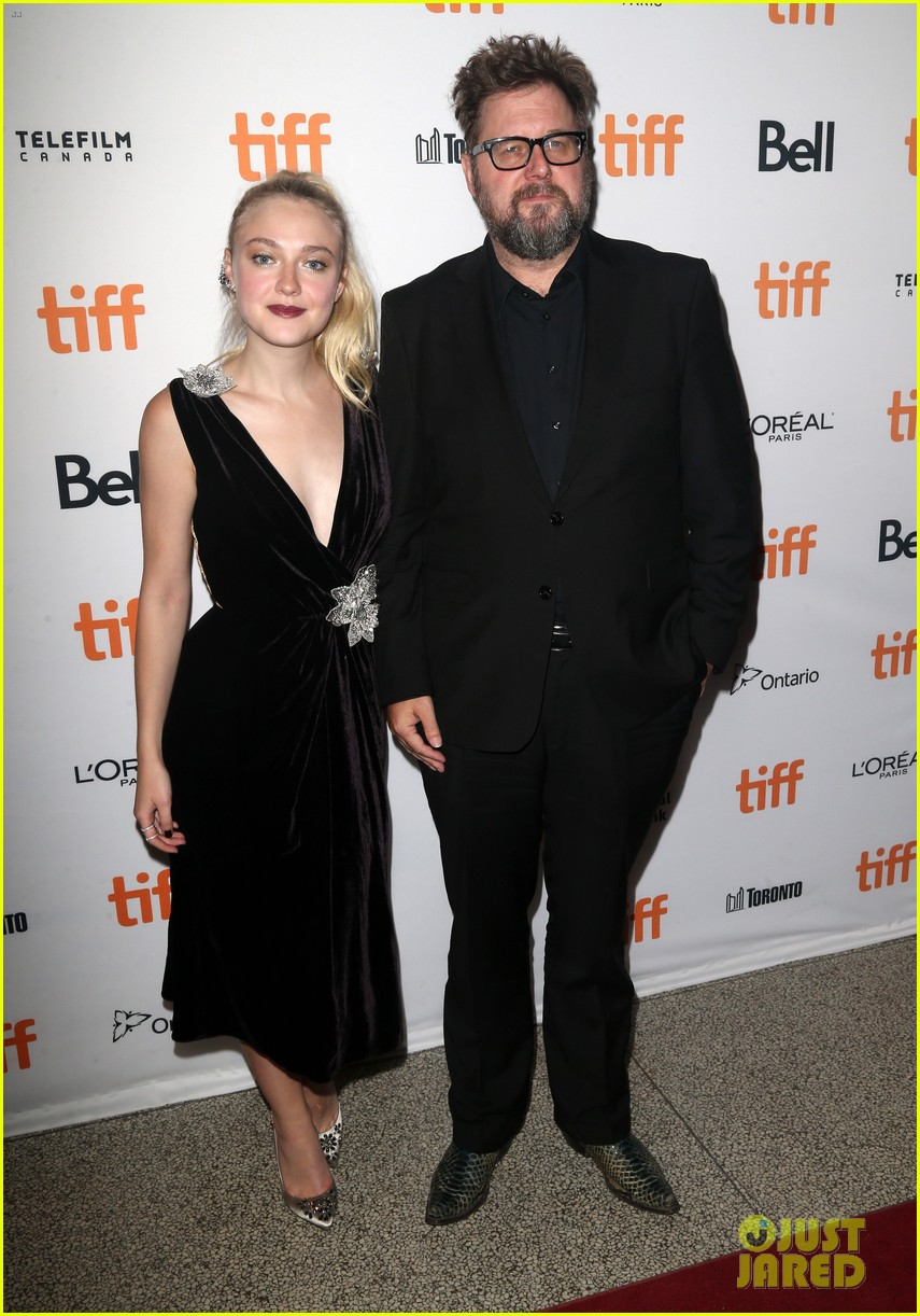 dakota fanning lives out her velvet dreams in toronto 21