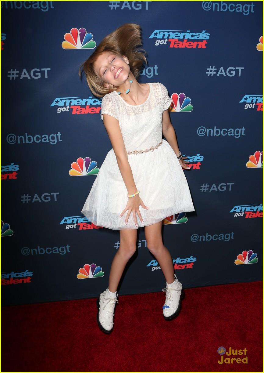 AGT Winner Darci Lynne Farmer's Entire Family Was Overcome ...  |Americas Got Talent Winner 2005
