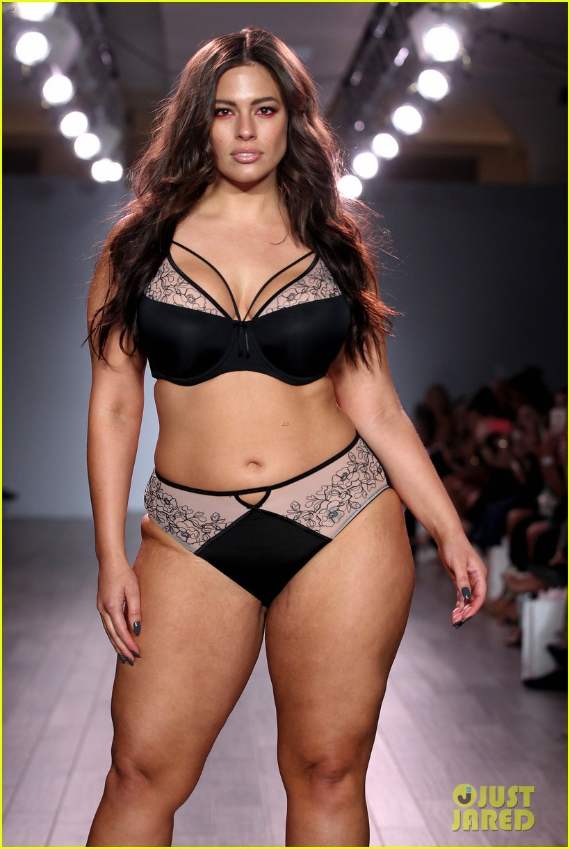 ash jordyn hit the runway in lingerie show during nyfw47405mytext